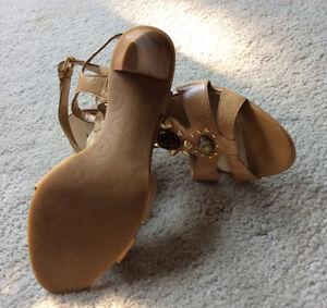 Franco Sarto Heeled Sandals Size 7 Kingston Kingston Area image 4