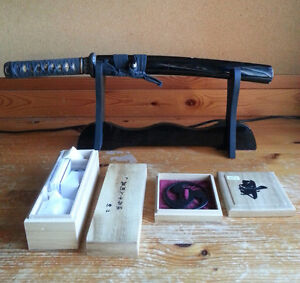 HANDMADE TANTO in good condition. FREE: STAND, MAINTENANCE KIT
