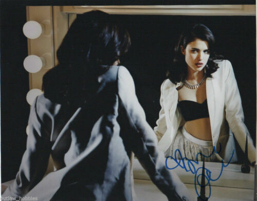 Margaret Qualley Sexy Autographed Signed 8x10 Photo COA D59
