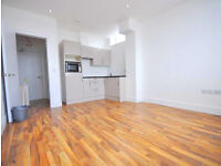 New and refurbished large studio flat in Caledonian road suitable for one person - students welcome