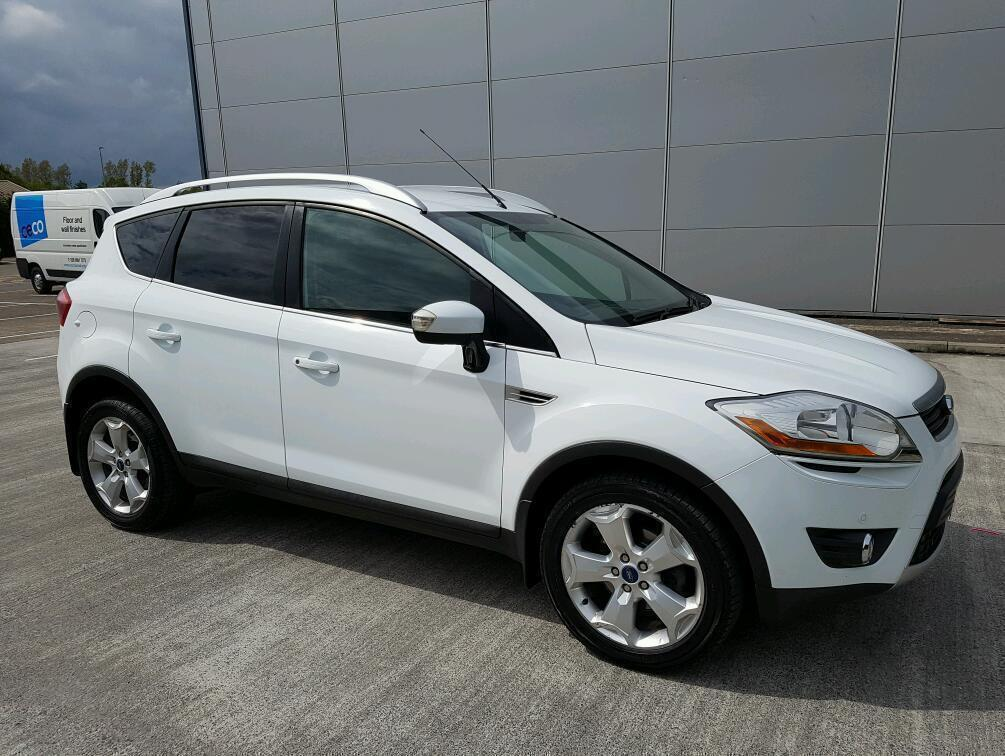 white 2009 ford kuga 2 0 tdci 4x4 zetec 140bhp appearance pack front rear parking sensors. Black Bedroom Furniture Sets. Home Design Ideas