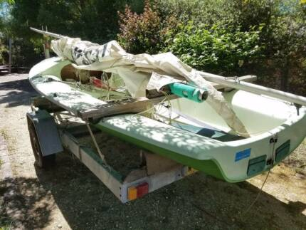 505 Dinghy and road trailer for sale