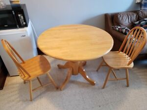 Solid wood Kitchen Table & 4 chairs