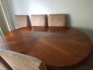 Beautiful solid timber extension table & 6 Dining Chairs Soldiers Point Port Stephens Area Preview