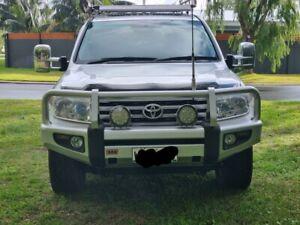 Toyota landcruiser 200 series yr 2010 vx silver 209000kms