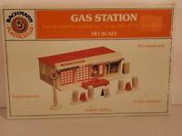 HO 1:87 Scale GAS STATION KIT New in Sealed Box Bachmann 45174