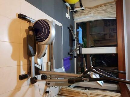 CROSS TRAINER FOR SPARES OR REPAIR