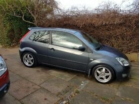 Very good condition Ford Fiesta Zetec S fitted with clifford concept 650 alarm and lenso RS alloys