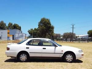 1993 Toyota Camry 4 Cyl 2.2 Fuel efficient One Year Free Warranty