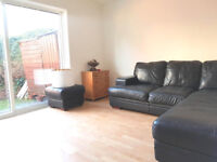 4 bed with a lounge and garden 5 min walk from Caledonian Road Station perfect for students!