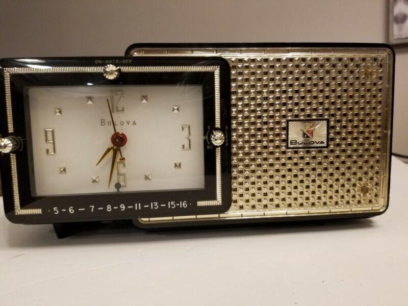 Vintage BULOVA Model 120 AM Clock TUBE Radio