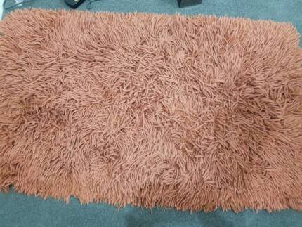 """""""Rust"""" colour Shaggy rug 100% acrylic EUC"""