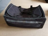 Eminent Black large / big holdall on wheels with handle