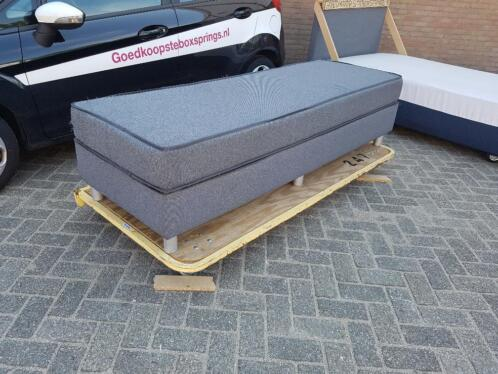 â 1 persoons boxsprings inclusief matras kleur grijs slaapkamer