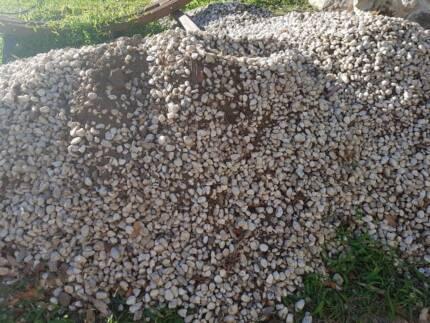 White garden Pebbles - Free