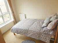 *NO AGENCY FEES TO TENANTS* Stylish double bedroom overlooking pretty garden, available in Horfield
