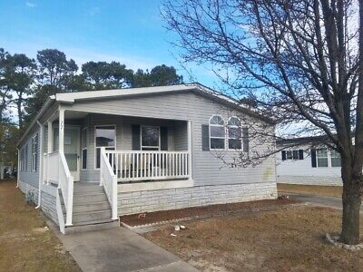 3 Bedroom 2 Bathroomlarge Kitchen And Large Living Area Mobile Home