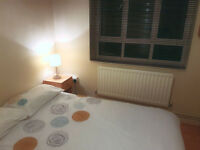 Double room in West London W12 close to Westfield & White City