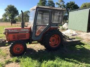 Kubota L2850 tractor/with slasher/fertilizer spreader/spray unit Springton Barossa Area Preview
