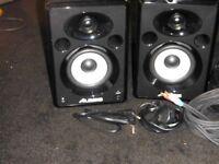 ALESIS ELEVATE 5 Speakers & cables