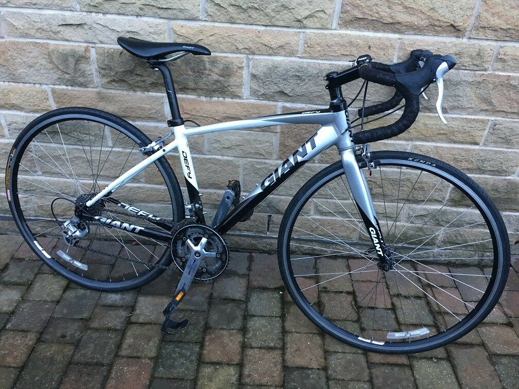 Giant Defy 4 Xs Road Bike Hardly Used In Liversedge West