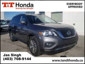 2017 Nissan Pathfinder SV* Local Car, Rear Camera, Bluetooth*
