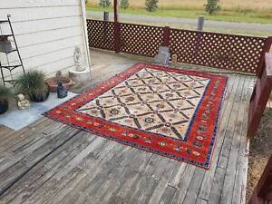 Hand woven Persian carpet Bungendore Queanbeyan Area Preview