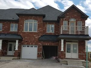 BRADFORD BRAND NEW 4 bedroom HUGE END UNIT townhome!! Sept 15th