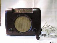 Vintage Bush Radio -Type PAC 90A - brown bakelite - working order