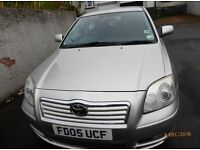Toyota AvensisT3-s 1.8l petrol 5 door manual silver good family car