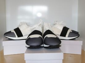 Balenciaga style runners *BULK BUY* 12 pairs size 3 - 8