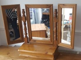 dressing table type mirror