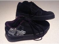 Black and white world industries kids shoes size 3
