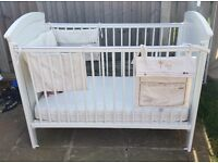 Cot bed with accessories Mamas & Papas