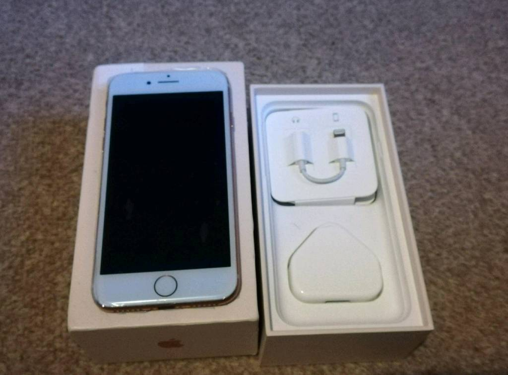 BARGAIN,,,IPhone 8 Gold on EE