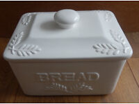 """Bread bin, ceramic, white, lovely design, retro vintage country kitchen look, approx 12""""x 8""""x7"""" made"""