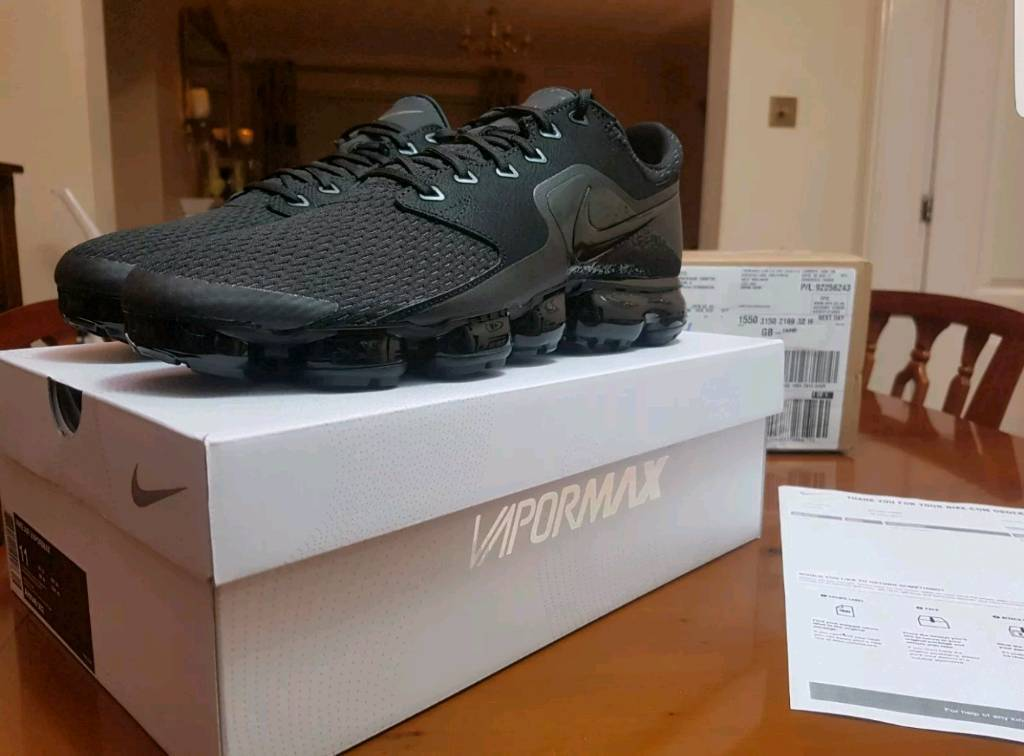 Nike Air Vapormax - Triple black - Limited! - Size 10✴