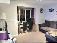 Presented in excellent condition one bedroom flat mins walk to East & North Acton stations