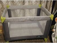 Travel cot/ play pen