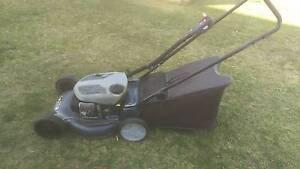 Victa 2 stroke 4 blade mulch deck lawnmower lawn mower Port Noarlunga Morphett Vale Area Preview
