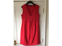 Isabella Oliver Fitzroy V-Neck Shift Maternity Dress – Coral – size 4 (14)