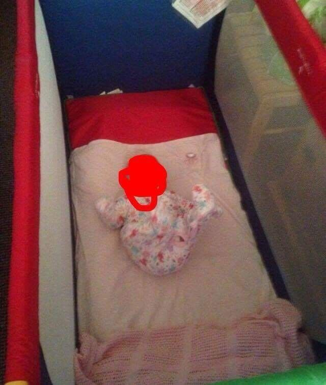 Hauks travel cotin Bedminster, BristolGumtree - Selling multi coloured travel cot size of cot only used once great conditions