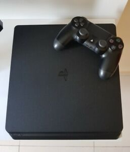 PS4 WITH 6 GAMES( DESTINY 2)  MINT CONDITION!!!!