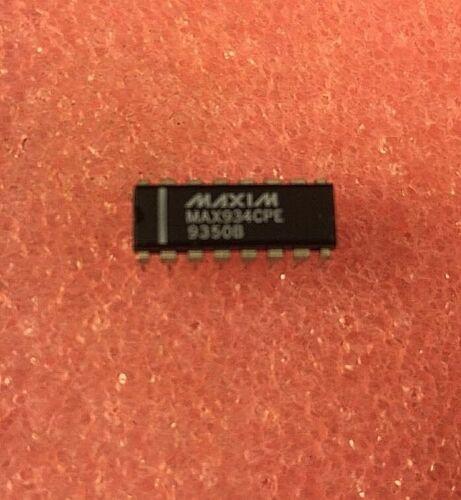 3 PCS - Maxim MAX934CPE