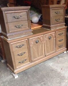 Dresser with 2 end tables.