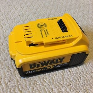 NEW DEWALT 20V 4Ah XR Lithium Ion Battery DCB204