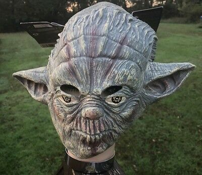 DELUXE YODA RUBBER MASK STAR WARS HALLOWEEN MASK REAL LOOKING CHILD SIZED - Kids Yoda Mask