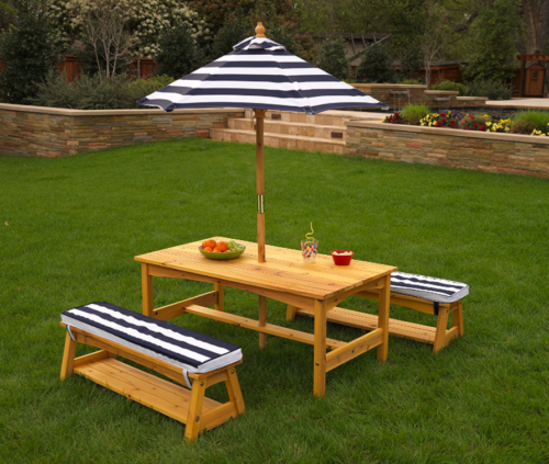KidKraft Outdoor table and Chair Set with Cushions and Navy
