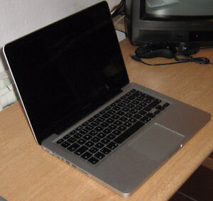 GOOD CONDITION MACBOOK PRO 13 INCHES!!