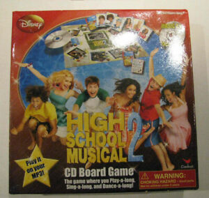 """BOARD GAME Disney's """"High School Musical 2"""", with CD"""
